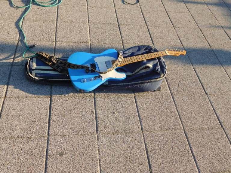 6515_guitar
